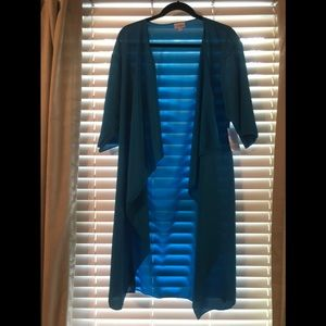 Beautiful blue LulaRoe Shirley